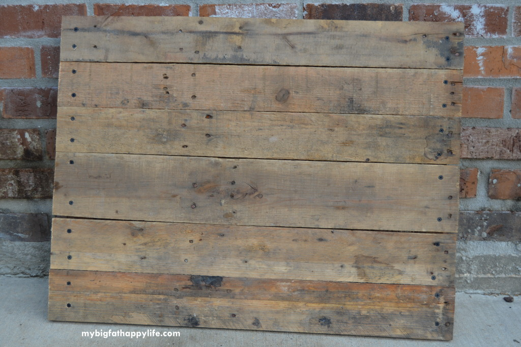 How to Make a Photo Backdrop From a Pallet - My Big Fat ...