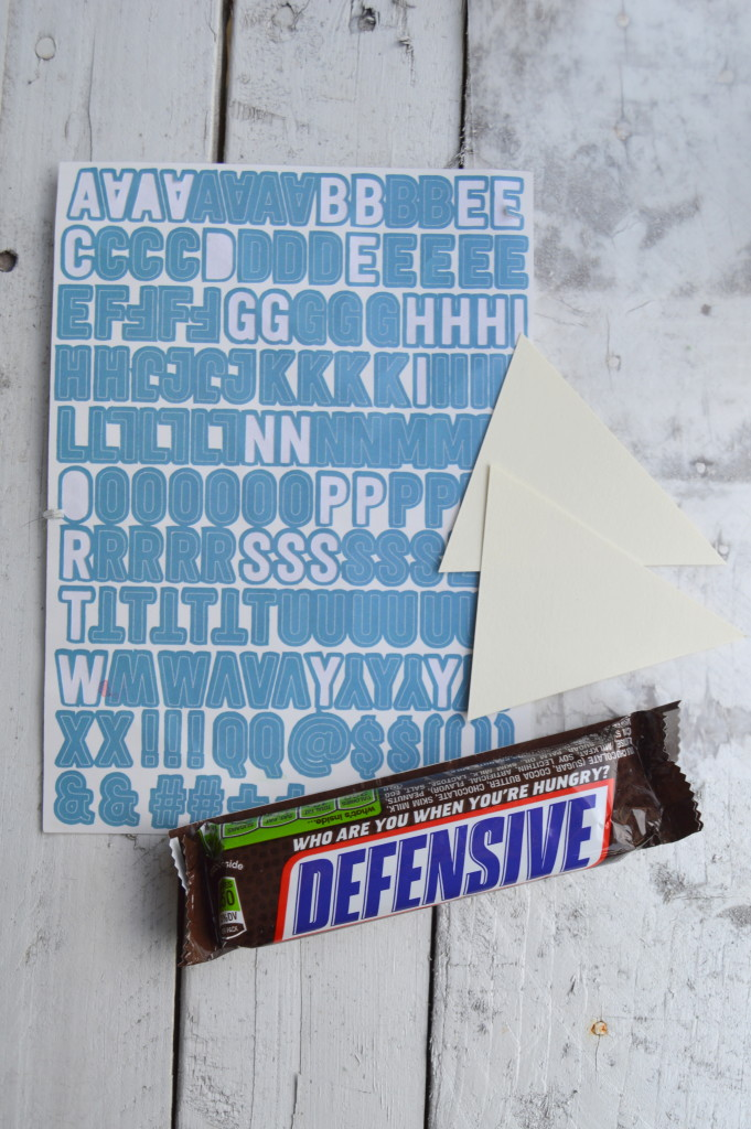 How to Make a Game Day Candy Bouquet with SNICKERS® #ScoreatCVS #ad   mybigfathappylife.com