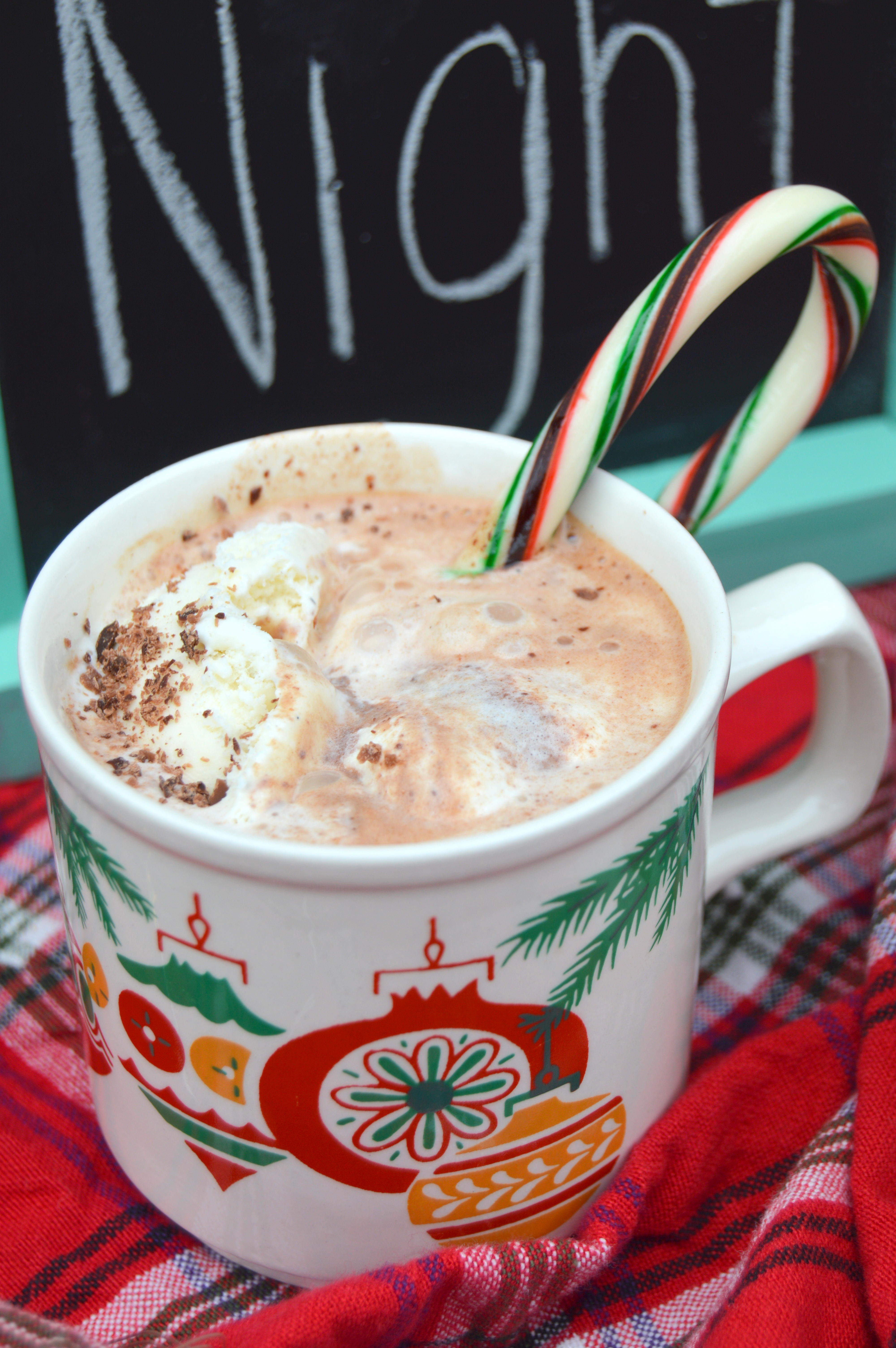 Peppermint Hot Chocolate Floats - My Big Fat Happy Life