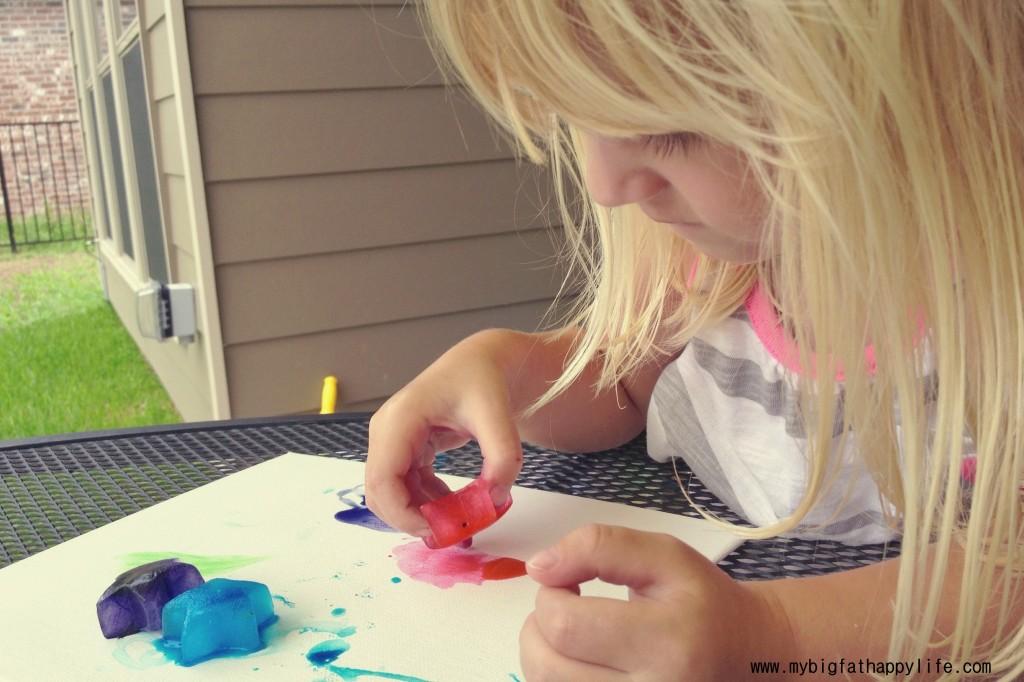 Ice Cube Painting #artsandcrafts   mybigfathappylife.com
