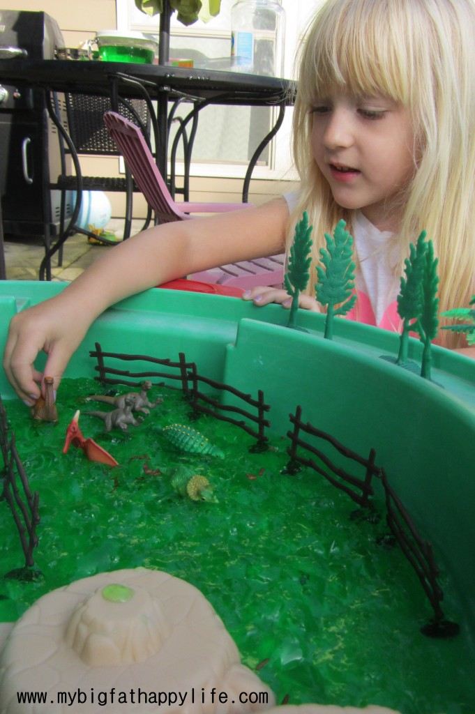 Dinosaur Swamp Small World Play #imaginativeplay #sensory #smallworld #kidactivity | mybigfathappylife.com