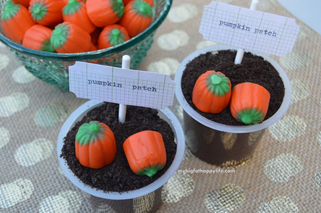 Pumpkin Patch Pudding Cups - A Halloween Snack Idea #ReadySetSnack #ad | mybigfathappylife.com