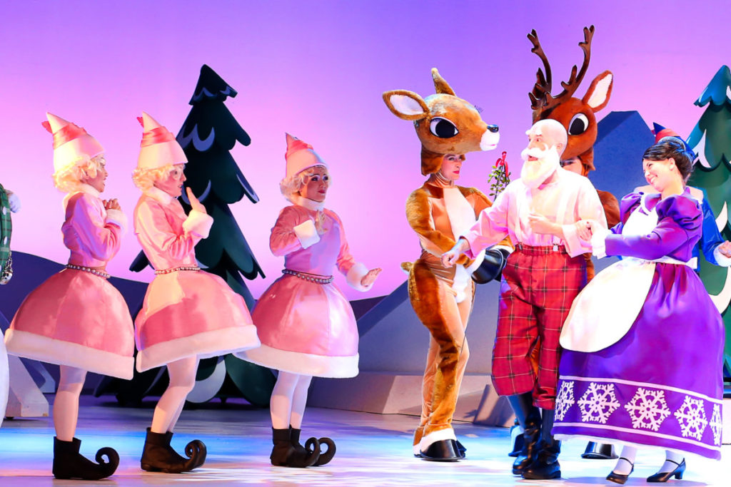 Rudolph the Red-Nosed Reindeer: The Musical Review #ad | mybigfathappylife.com